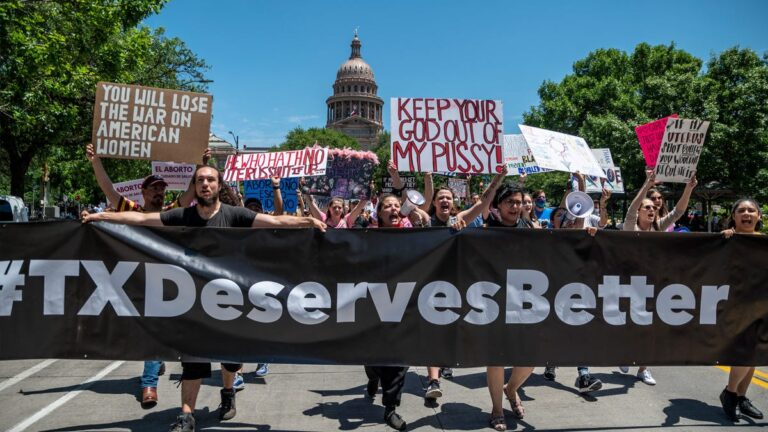 Maneater, Killing Floor Boss Supports Texas Anti-Abortion Law